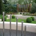 фонтан в авангардном стиле
