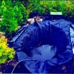 укладка пленки и наполнение водоема водой