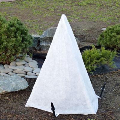 Пирамидка из нетканого материала